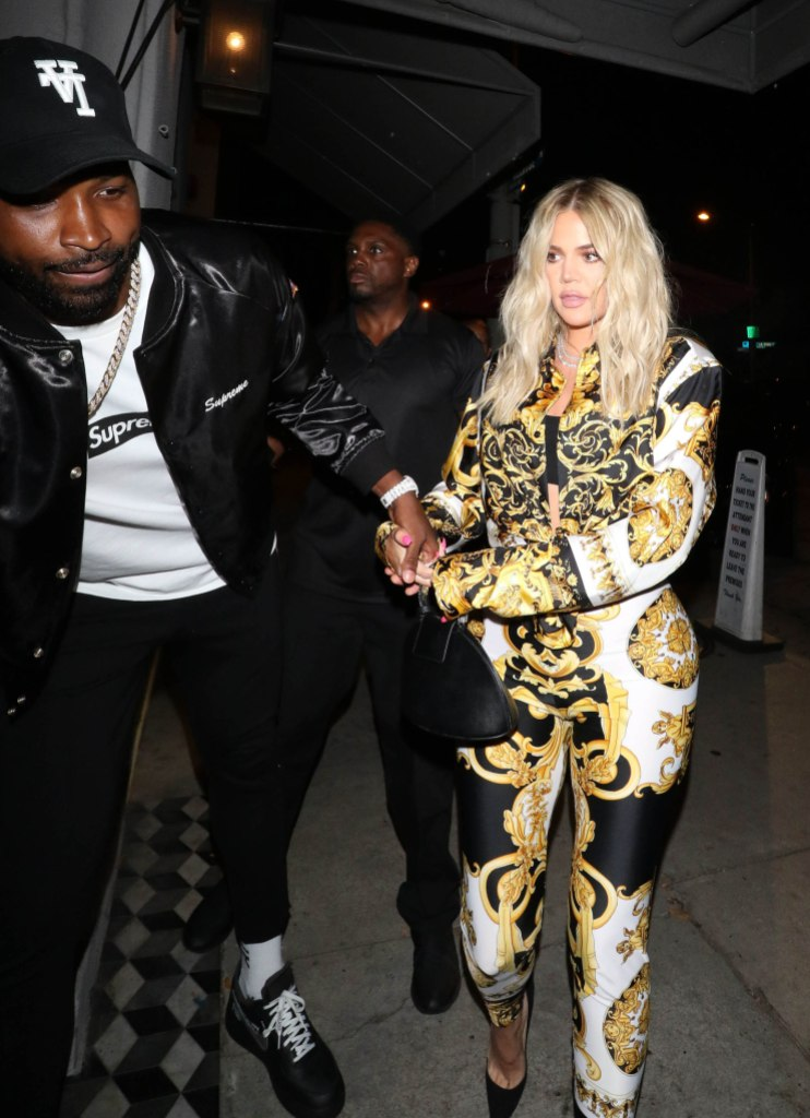 Tristan Thompson Khloe Kardashian Hold Hands While Going to Dinner