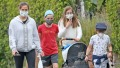 jennifer-garner-walk-kids-face-mask-3