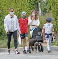 jennifer-garner-walk-kids-face-mask-3