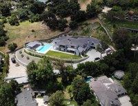 Blake Shelton and Gwen Stefani Stunning New Encino Mansion Aerial View