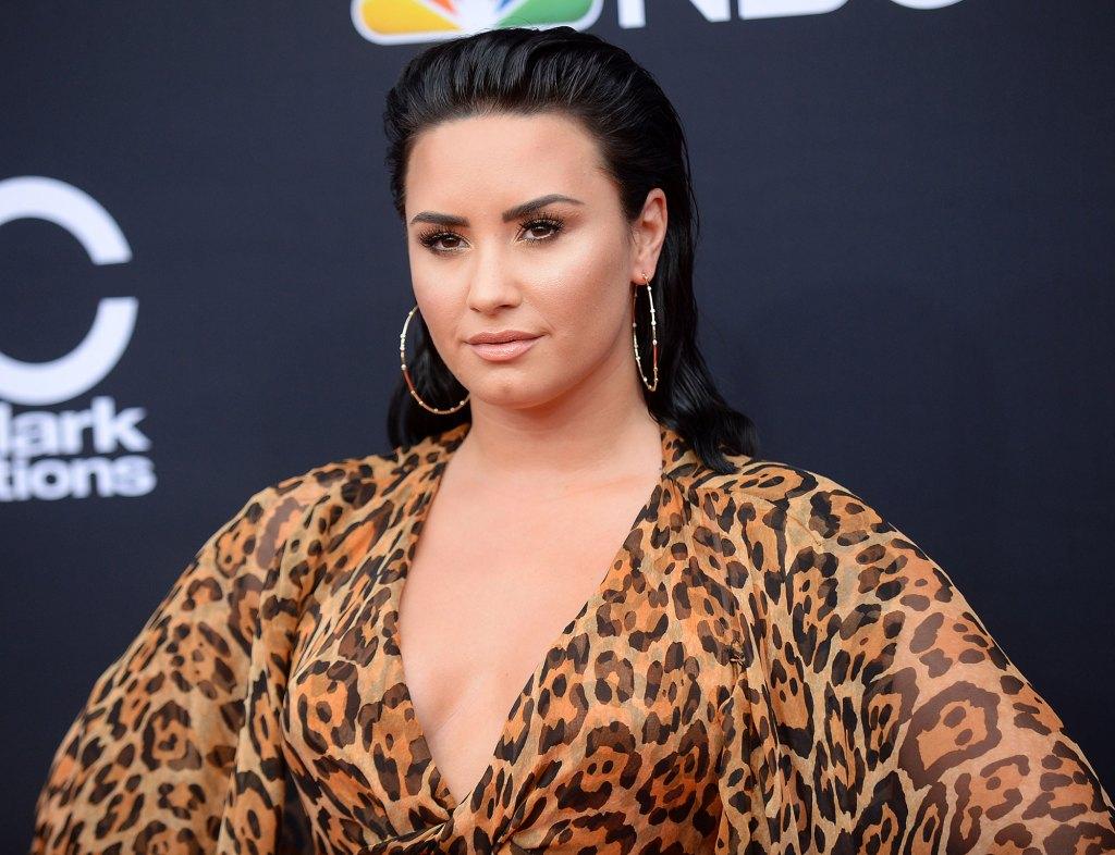 Demi Lovato New Boyfriend Max Ehrich