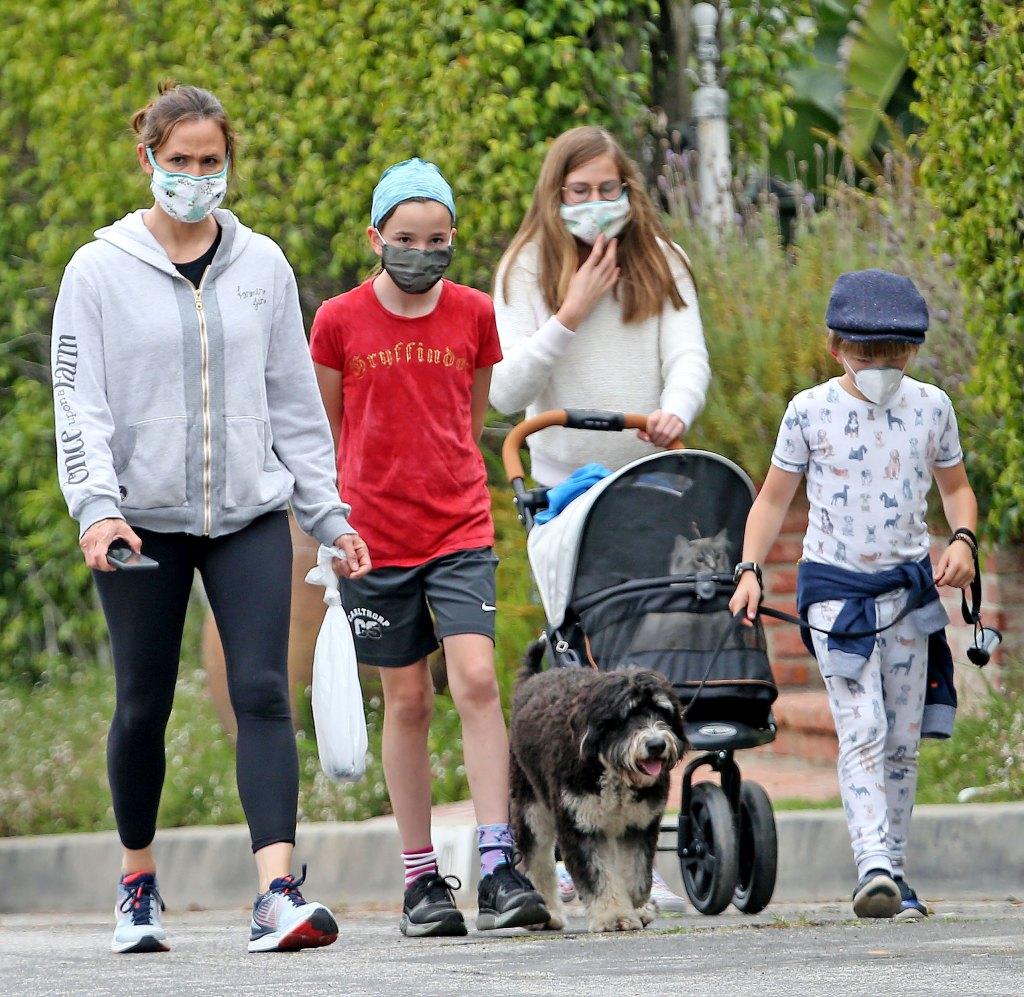 Jennifer Garner Is Staying Hands-On With Her Kids Quarantine