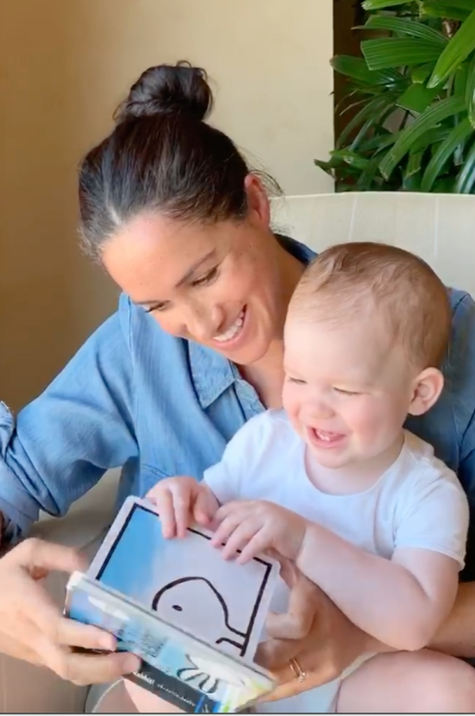 Meghan Markle Reads to Archie