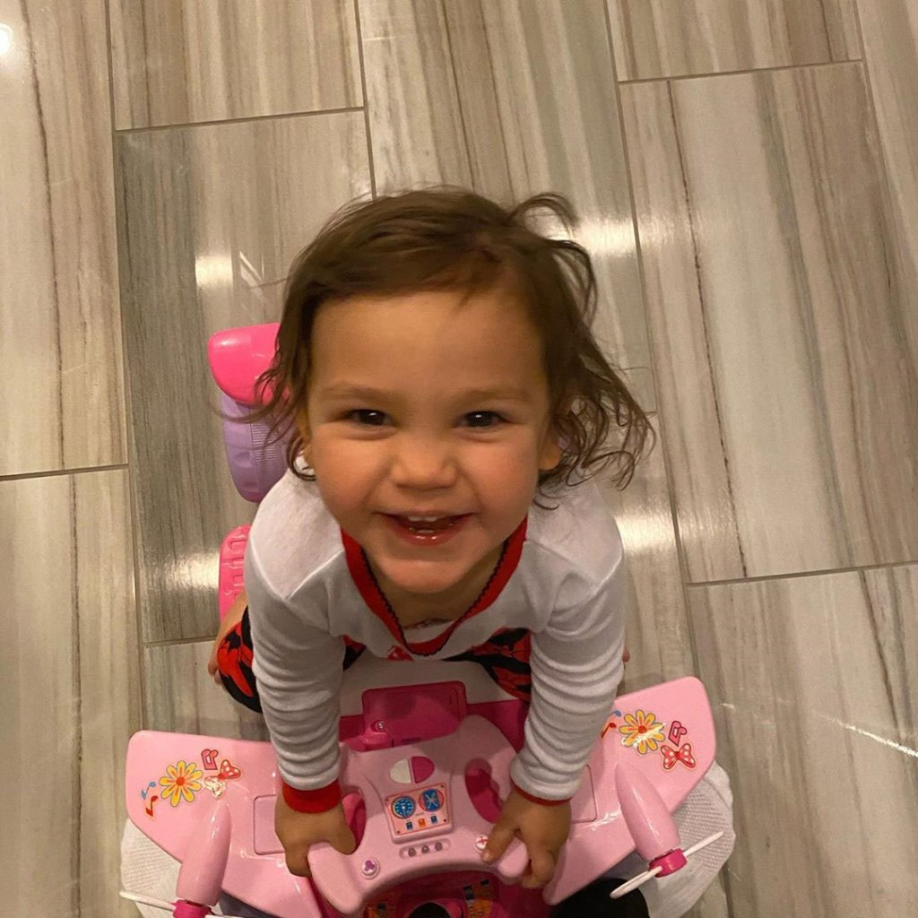 Ronnie Ortiz-Magro Gives Tour of Daughter Ariana Bedroom