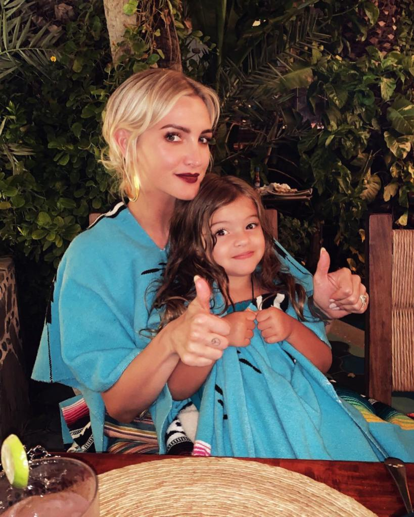 ashlee-simpson-and-daughter-jagger