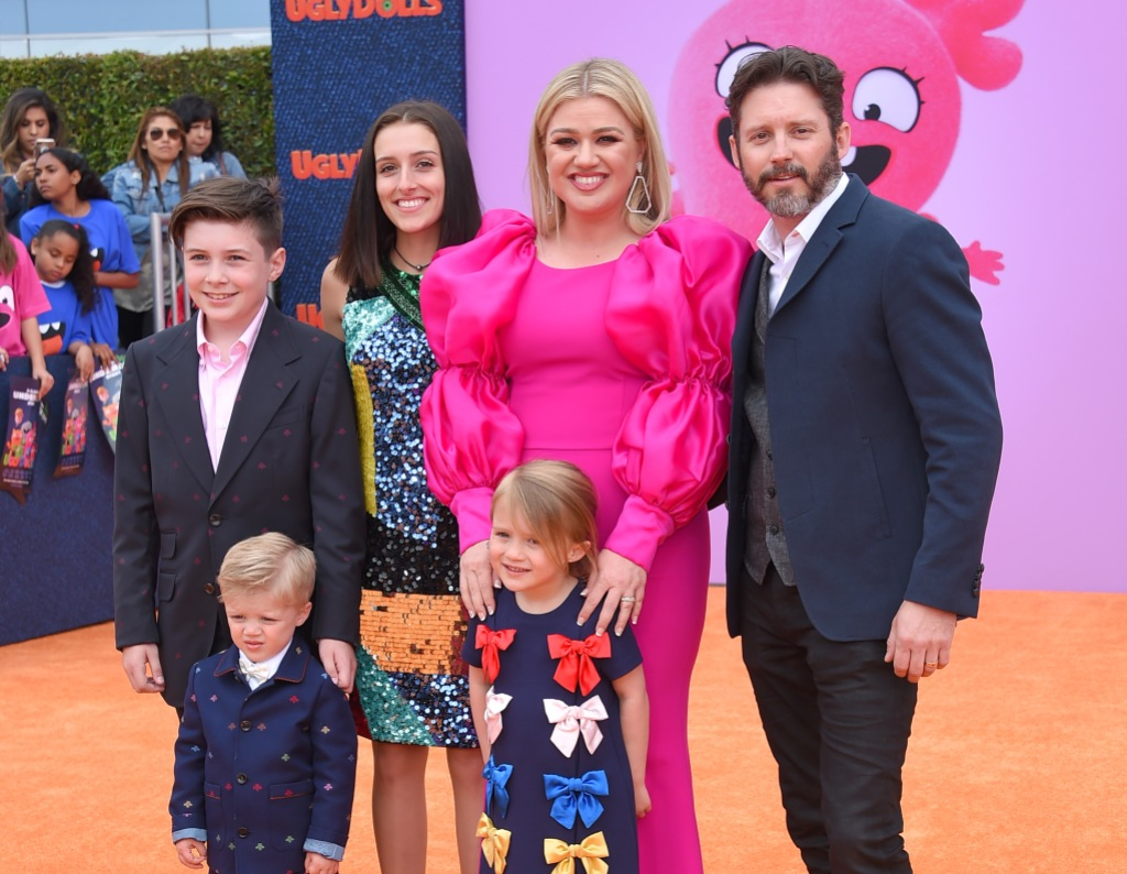 Kelly Clarkson and Husband Brandon Blackstock With Kids Savannah, Seth, River and Remington