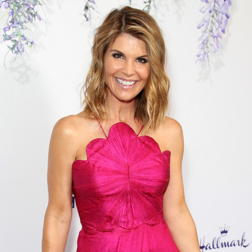 Lori Loughlin Would 'Love to Return to Acting' Post-College Admissions Scandal: 'That's Her End Goal'