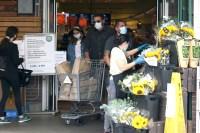 Ben Affleck Shopping With Ana
