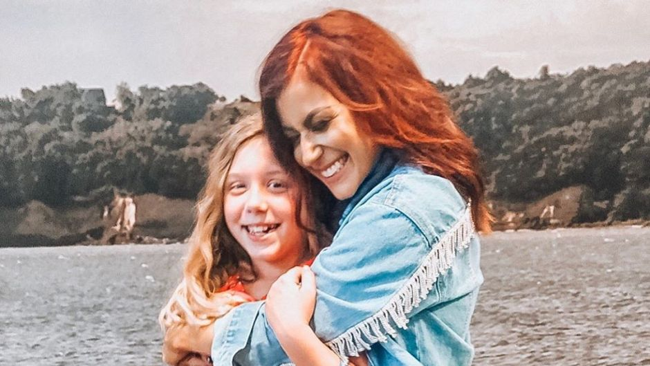 Chelsea Houska Hugging Daughter Aubree