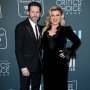 kelly clarkson thanks brandon blackstock amid divorce