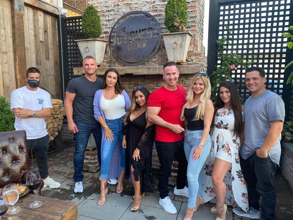 Jersey Shore Stars Deena, Snooki, JWoww and Vinny Help Celebrate The Situation's Birthday