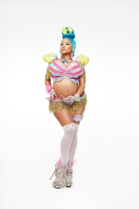 nicki minaj baby bump