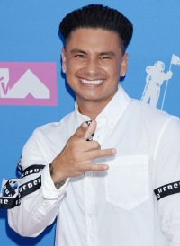 nikki-and-derryn-pauly-d-dating-history