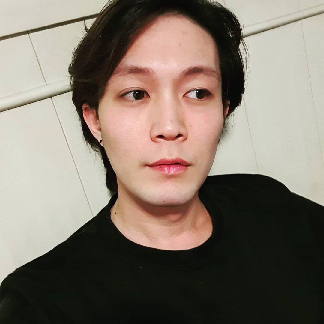 Jihoon Lee Selfie