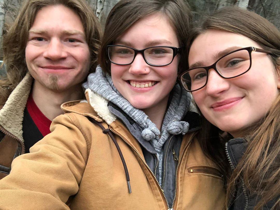 Bear Brown, Rain Brown and Birdy Brown Take Family Selfie in November 2019