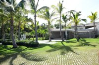 Kim Kardashian and Kanye Stay at Resort in Dominican Republic: Photos 10