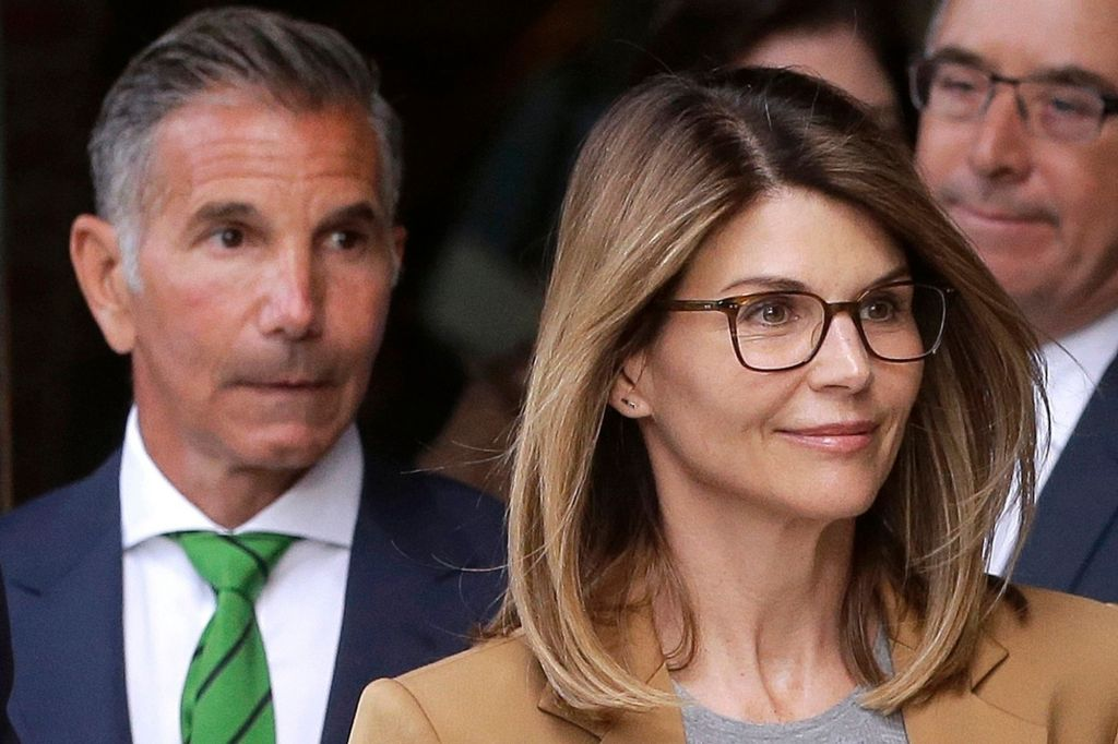 Lori Loughlin Reports to Prison After College Admissions Scandal Her and Mossimo Giannulli Sentencing