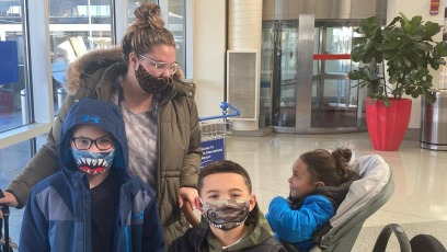 Kailyn Lowry Claps Back Welfare Mom Shade After Taking All 4 Kids 1st Flight Together
