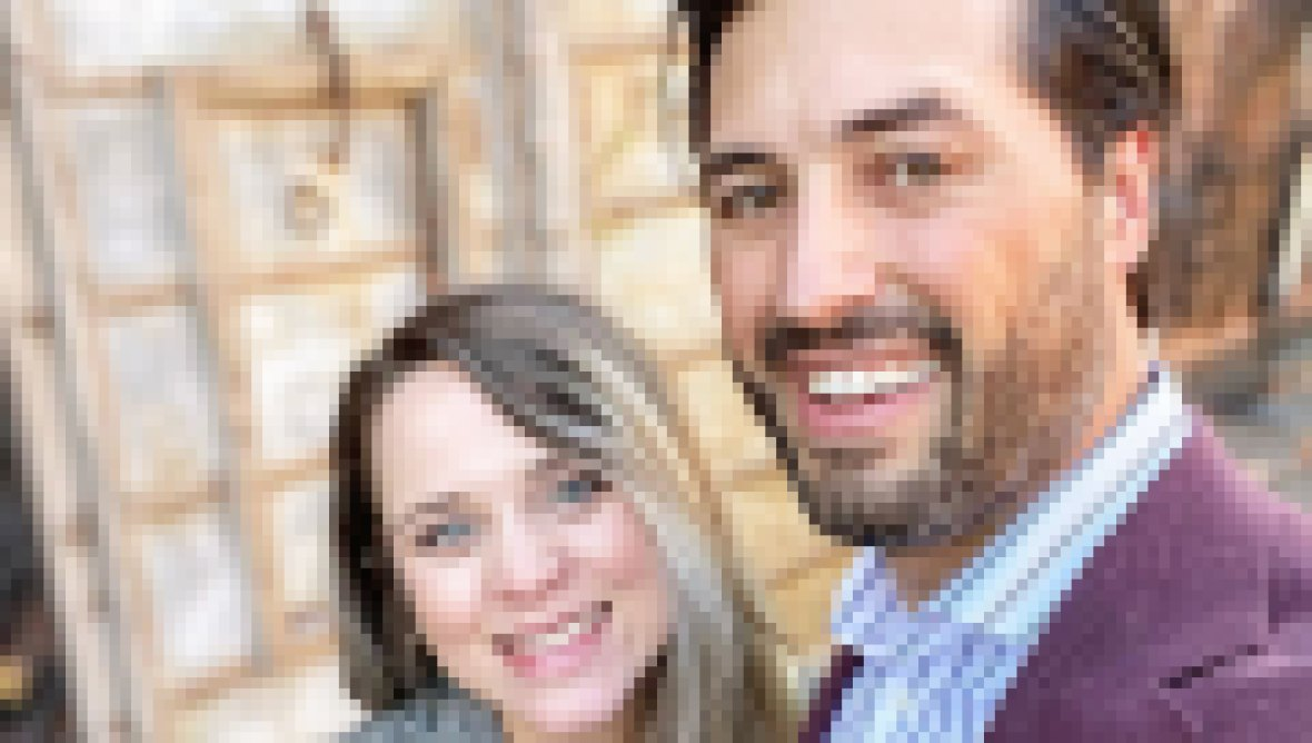 Pregnant Jinger Duggar Flaunts Baby Bump on Fashionable Lunch Date With Jeremy Vuolo