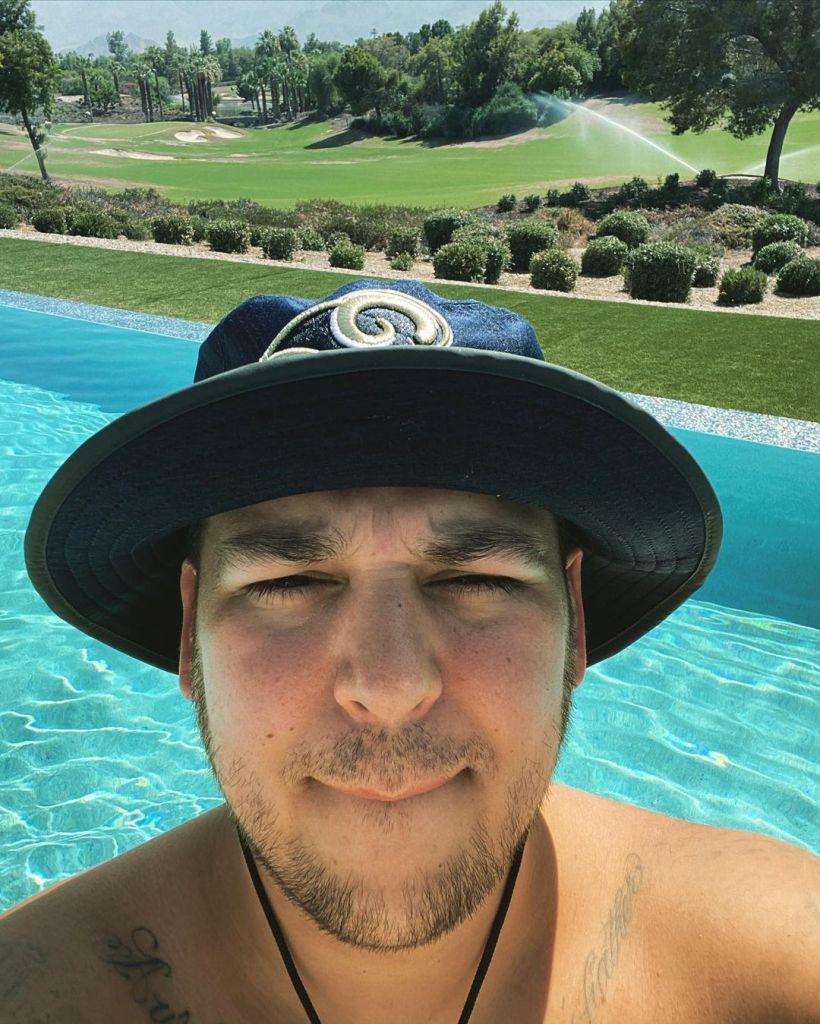 Rob Kardashian Flaunts Weight Loss in the Pool