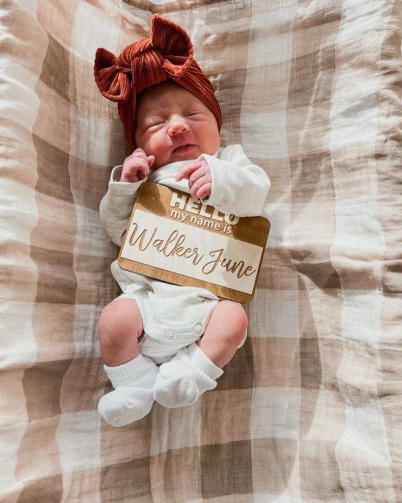 Walker June DeBoer Photos: Chelsea Houska's Baby Girl Is Cute