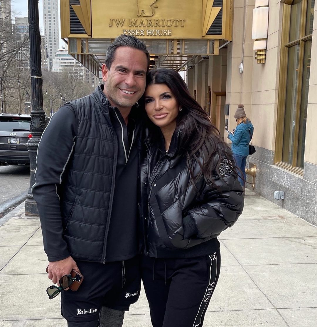 Teresa Giudice and Boyfriend Luis Ruelas Vacation With Joe and Their Daughters: 'Great Meeting You'