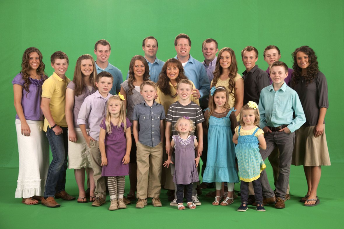 July 2015 19 Kids and Counting Josh Duggar and Anna Relationship Timeline