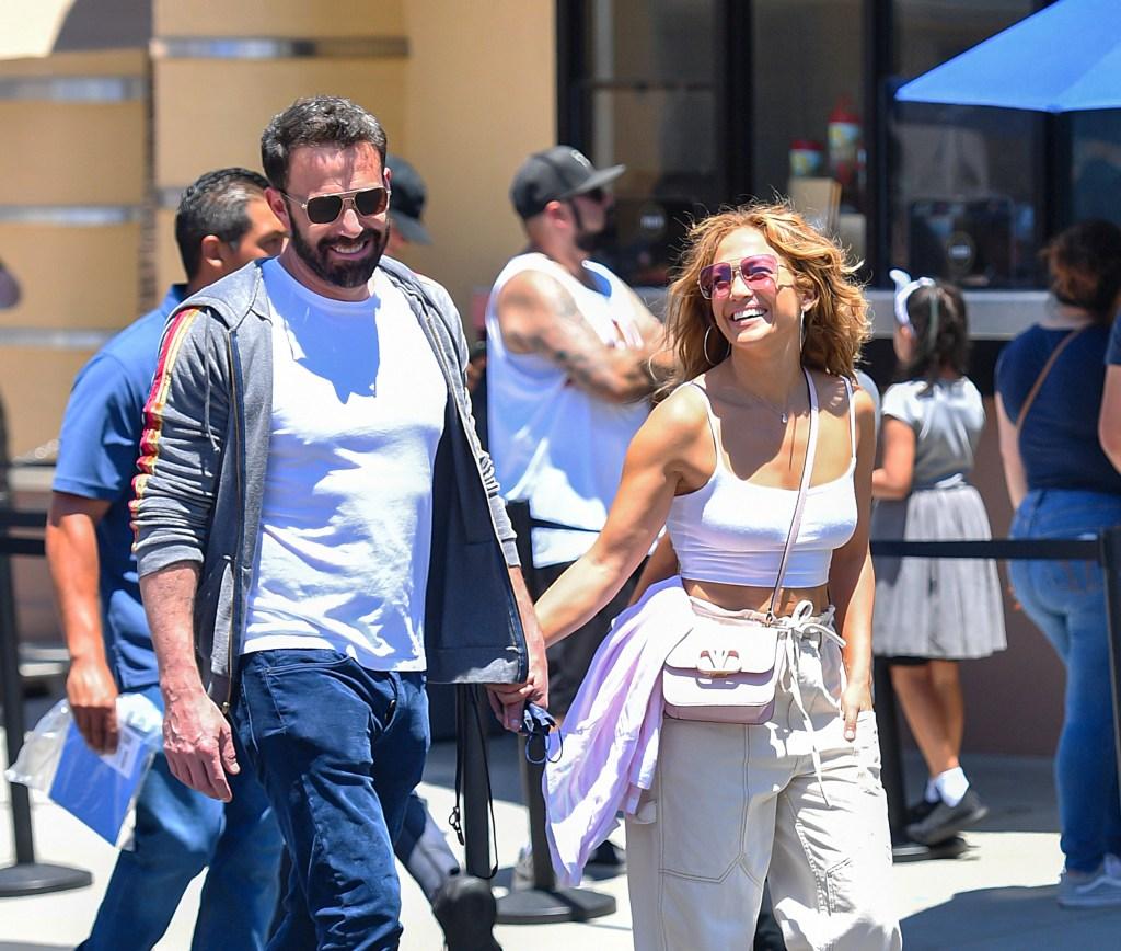 EXCLUSIVE: Jennifer Lopez & Ben Affleck Enjoy The Rides At Universal Studios in Hollywood, CA.