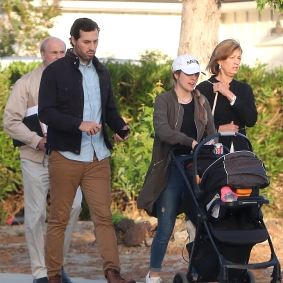 Counting On's Jinger Duggar and Jeremy Vuolo Spotted During Walk in L.A. Amid Josh's Child Porn Case