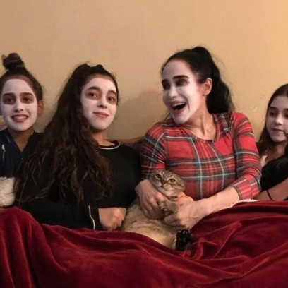 Octomom With Daughters