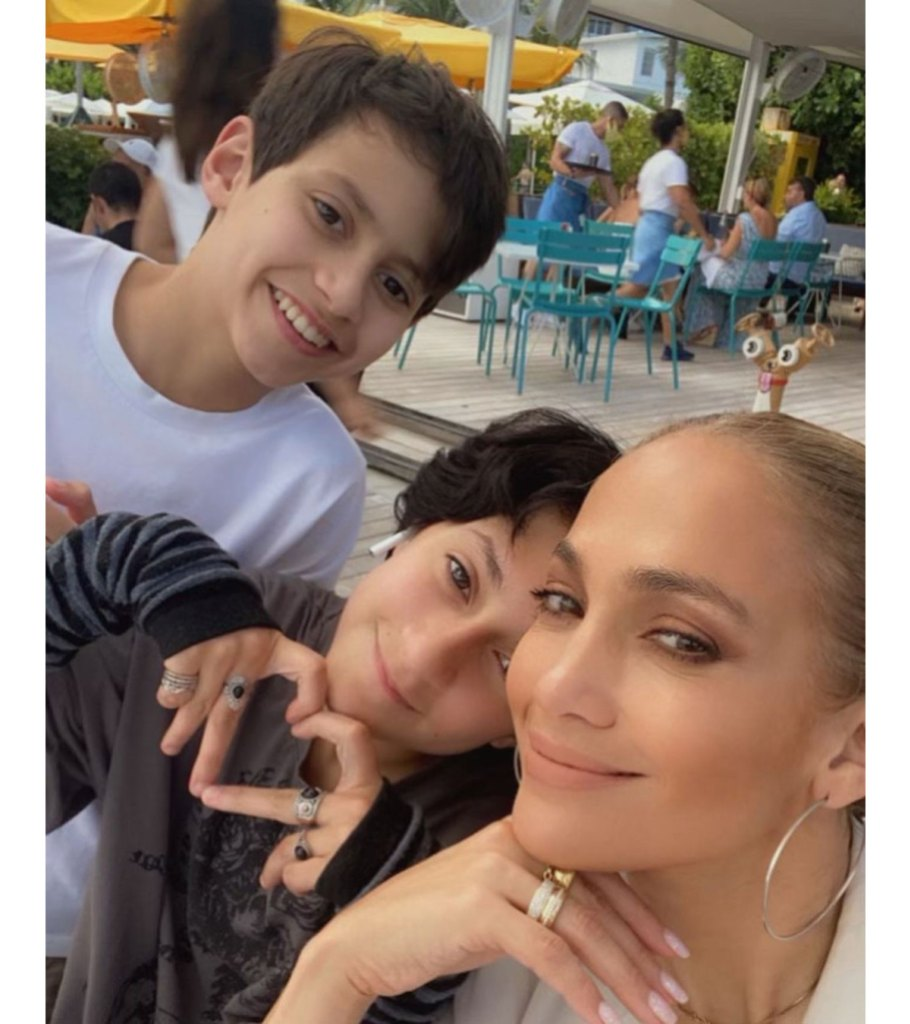 How Ben Affleck Connected With Jennifer Lopez Kids Max and Emme 2