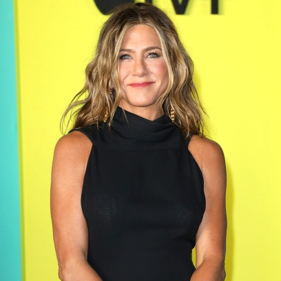 Jennifer Aniston Reveals If She Would Try Dating Apps to Find a New Relationship