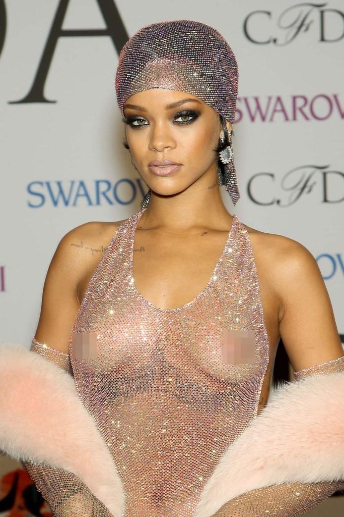 Rihanna Braless Photos Gallery