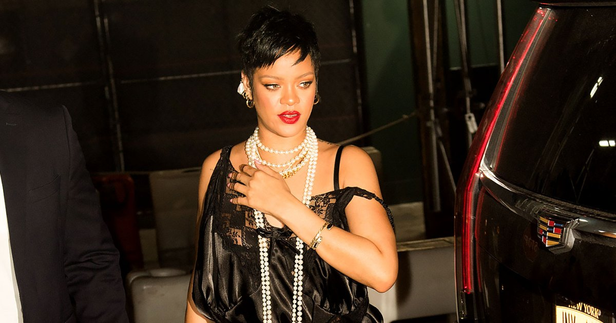 Rihanna in lingerie during a night walk in New York without Rocky ASAP