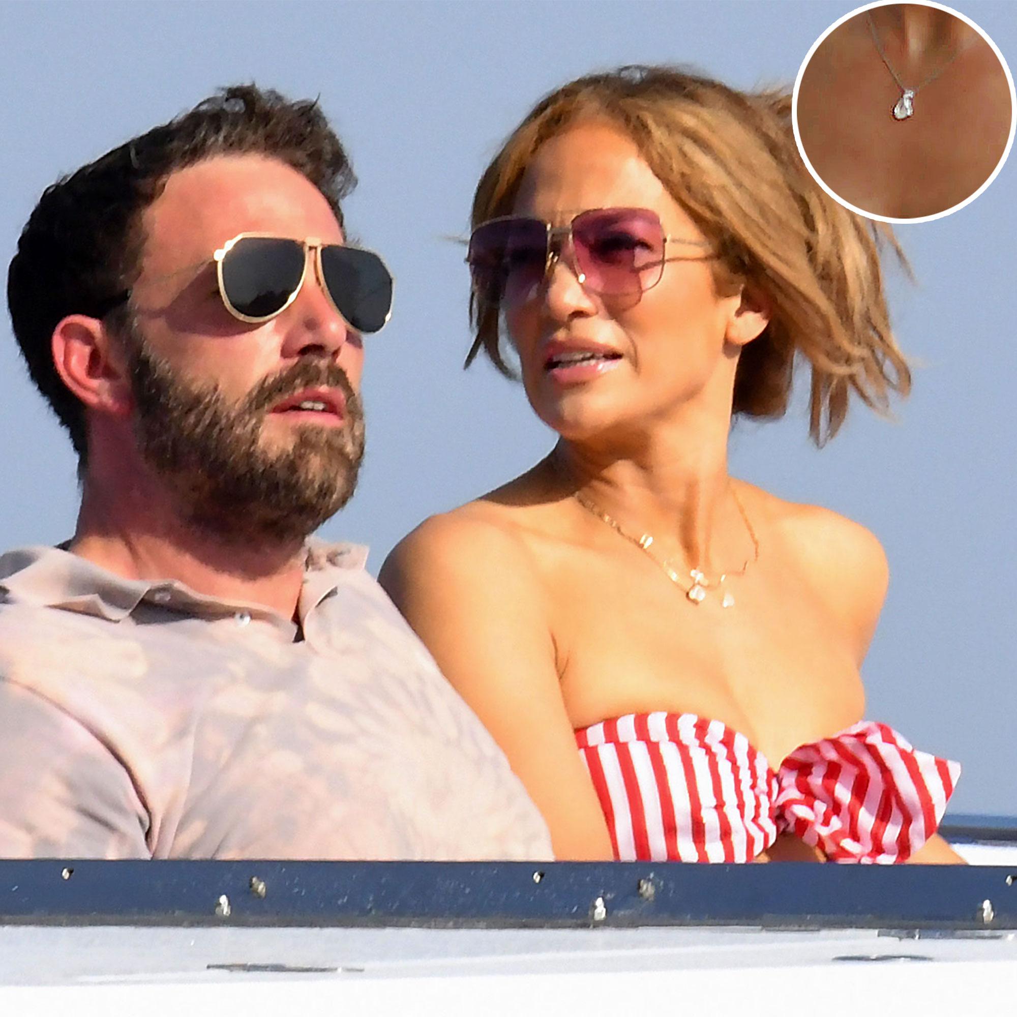 Ben Affleck Got Jennifer Lopez $45,000 Gift to Tell 'Story of Their Love'