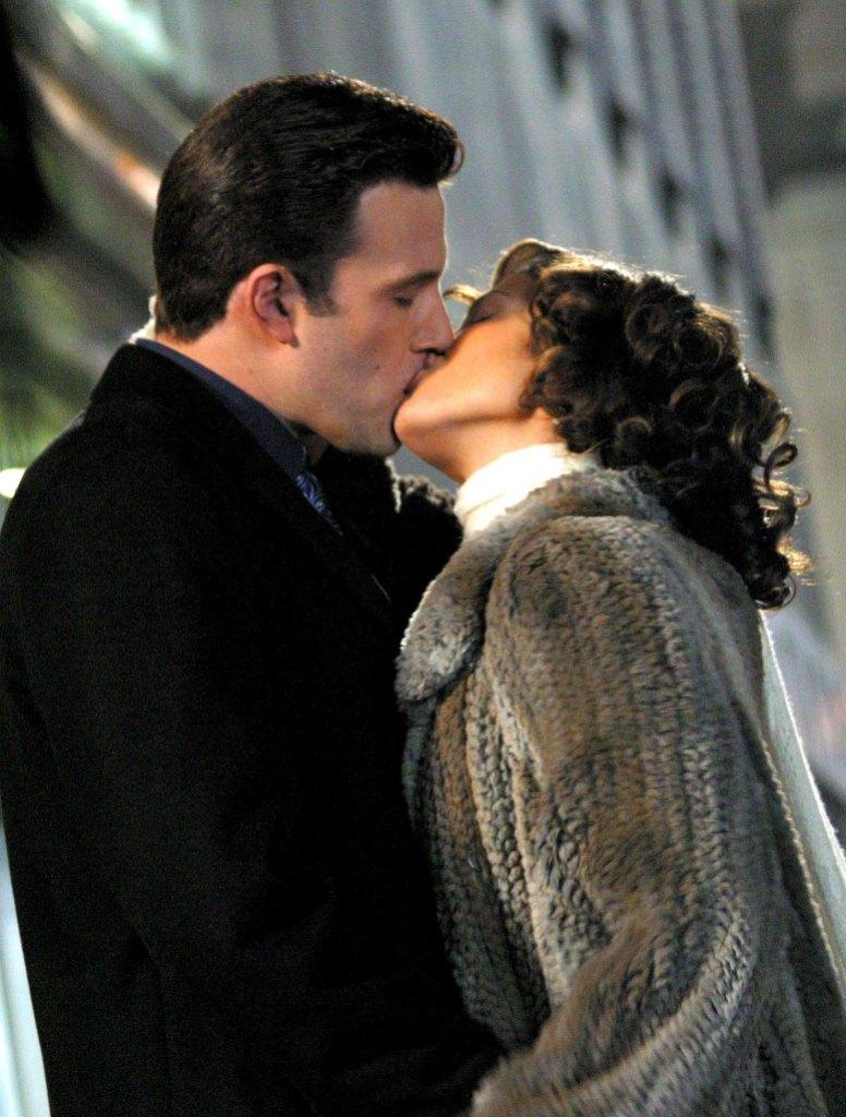 Jennifer Lopez and Ben Affleck View 85million Beverly Hills Estate Kissing