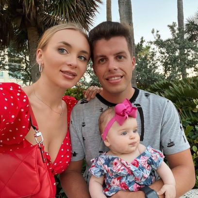 is yara pregnant 90 day fiance star sparks rumors