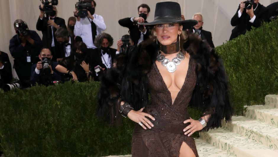 Jennifer Lopez Slays in a Plunging Outfit at the 2021 Met Gala Red Carpet: Photos