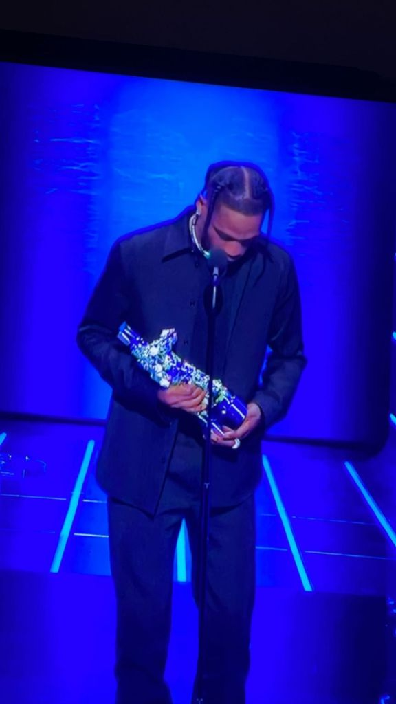 Travis Scott Thanks Daughter Stormi, Not Pregnant Kylie Jenner After Winning MTV Video Music Award