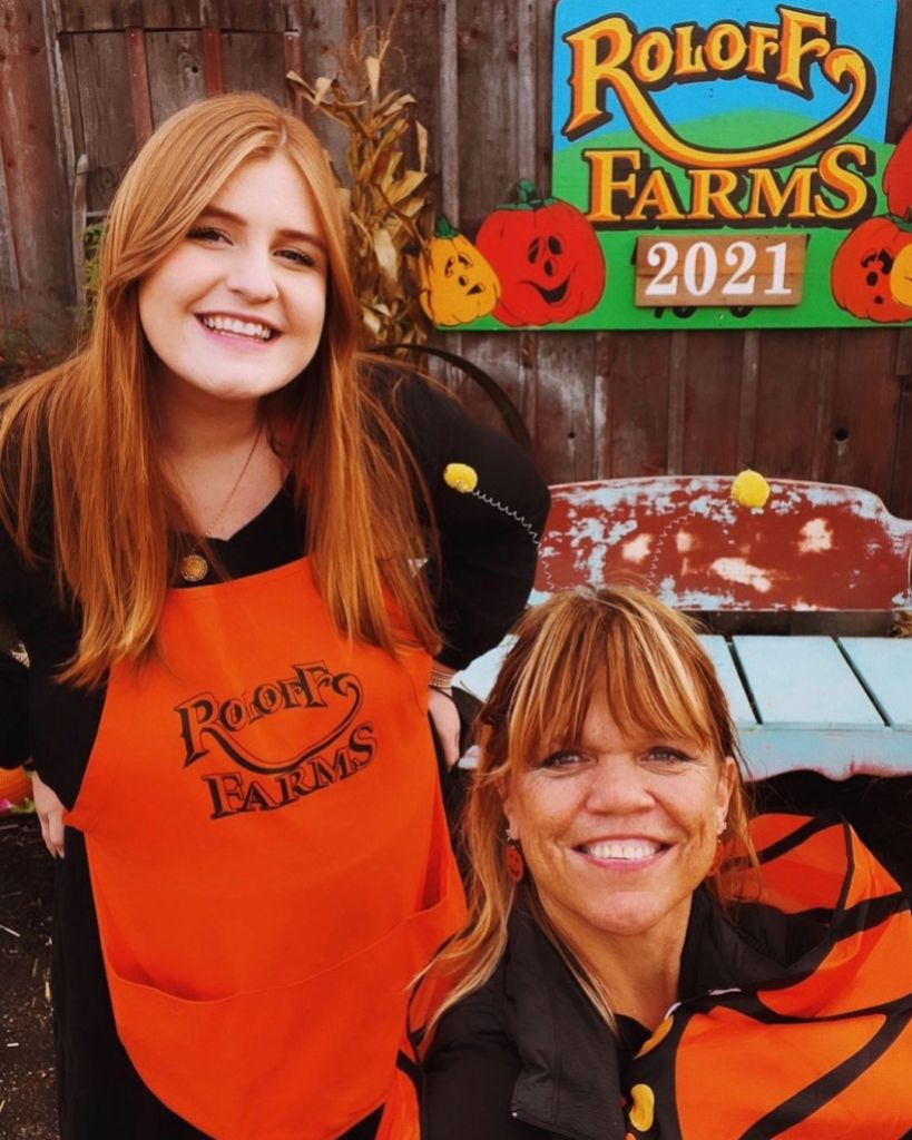 isabel-rock-with-amy-roloff-on-farm